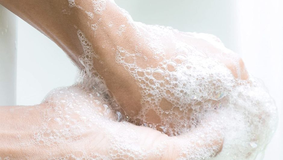 The best products to disinfect your hands without drying them